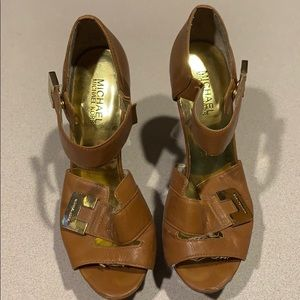 Michael Kors Heel Open-Toe 8.5 EUC 8 1/2 Tan Gold
